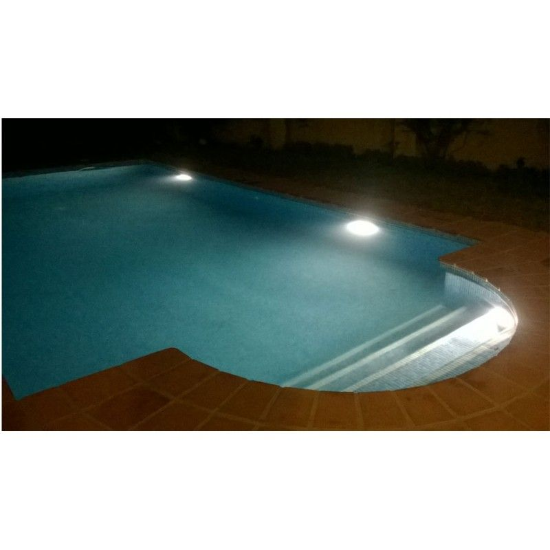 Kit compuesto por 2 focos led piscina solar blanco - Foco led piscina ...